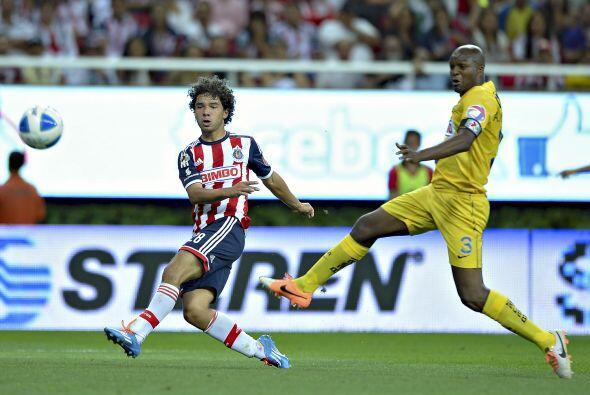 Giovani Hernández (5).- Había sido uno de los mejores jugadores en el to...