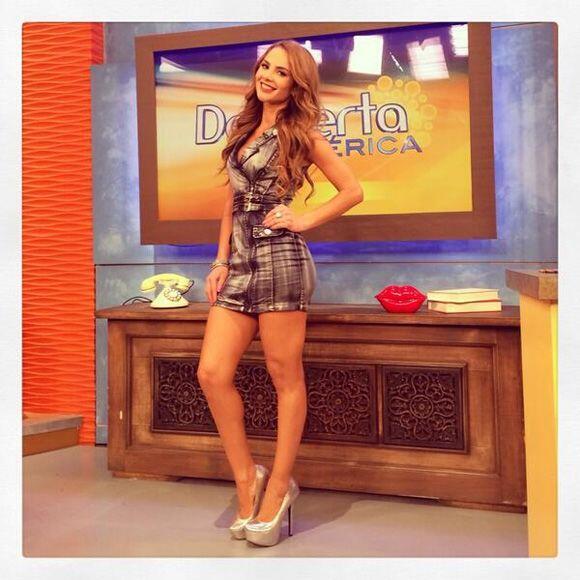 """""""Aquí está la fotico de mi look de hoy en @DespiertaA..."""