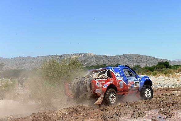 Cox Alfie con Nissan hizo la etapa entre Tucumán y Jujuy mostrando sus c...