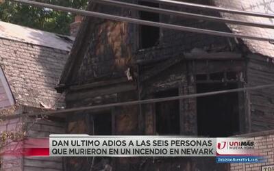 Sepultan a seis miembros de una familia muertos en fuego en Irvington, NJ