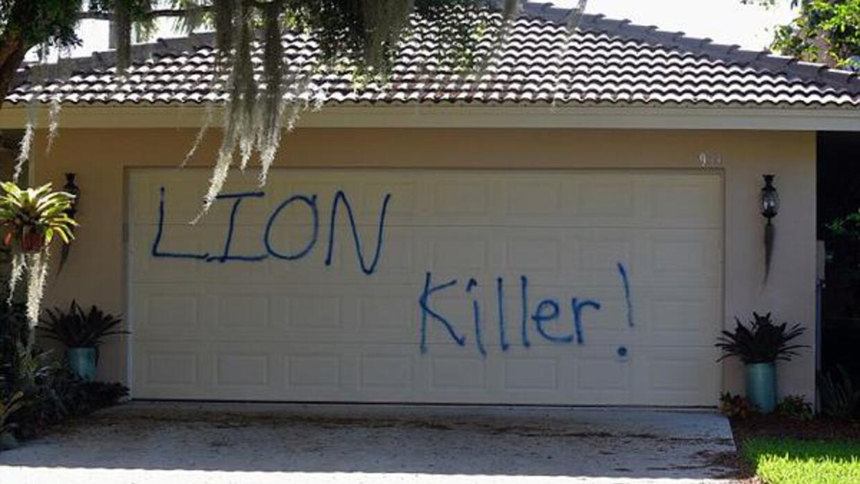 Vandalizaron la casa de Florida perteneciente al dentista que mató en Zi...