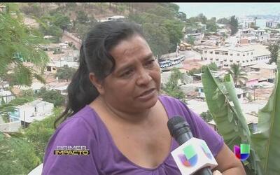 Madre necesitada pide limosna y es arrestada