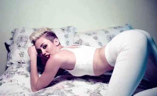 """Miley Cyrus es popular en la red social por calentar al """"pajarito azul""""..."""
