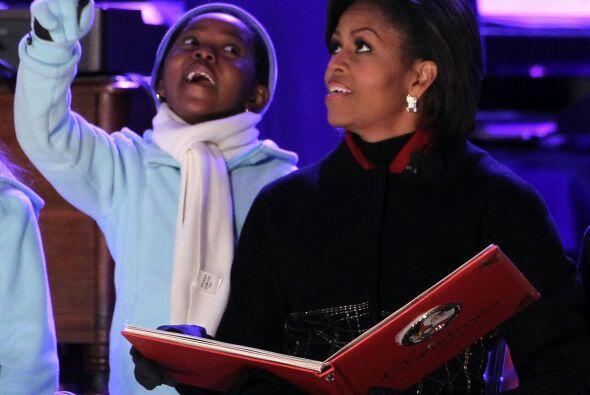La señora Obama leyó el poema clásico de Navidad &q...