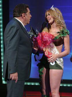 Pero solo hay una corona y esa fue para la chica número uno. Feli...
