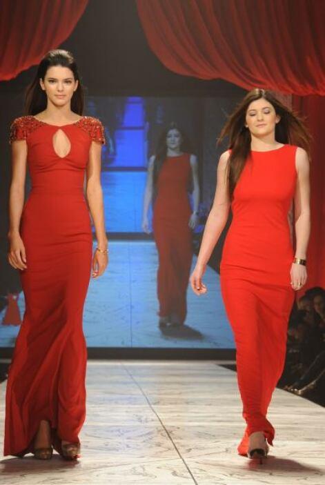 Los fabulosos diseños que exhibieron las familiares de Kim Kardashian fu...
