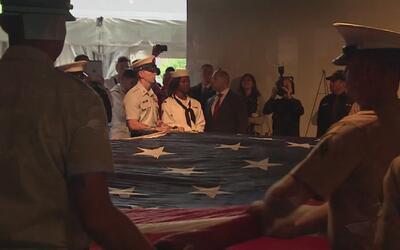 Rinden homenaje a uniformado que murió al caer al vacío luego de present...