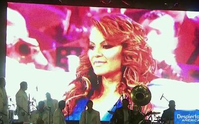 Serenata de Lupillo Rivera conmovió a los fanáticos de Jenni Rivera