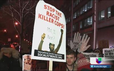 Chicago protesta decisión en caso de Michael Brown