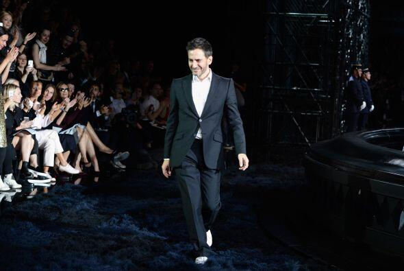 El motivo, Marc Jacobs, su director creativo, deja la marca.