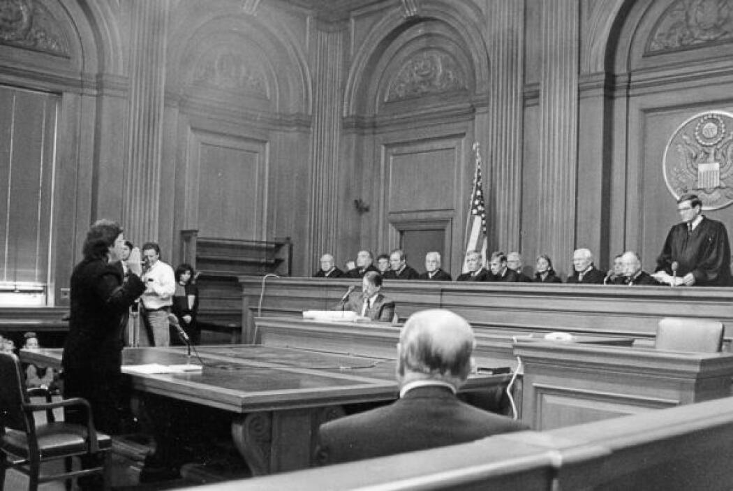 Su mentor de Yale, ahora Juez de la Corte de Circuito, José Cabranes, ad...