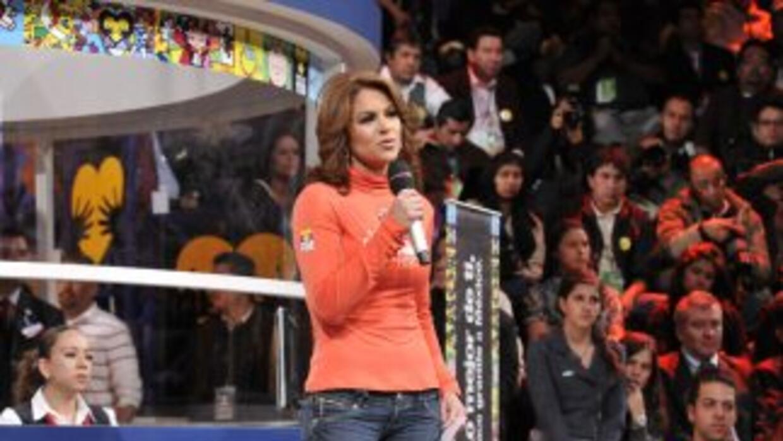El Teletón contó con la presecia de grandes artistas y Lucero cerró la n...