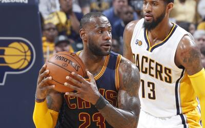 LeBron James y sus Cavs barrieron a Paul George y sus Pacers.