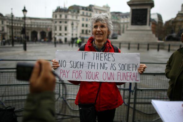 Pero la mayor polémica que ha creado este funeral ha sido el elevado cos...