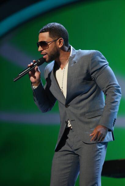 Henry Santos se ha convertido en uno de los cantantes más exitosos de lo...
