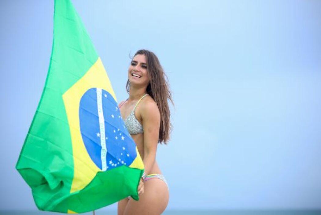En noviembre de 2007, Heloisa Alves ganó el concurso Miss Brasil USA.