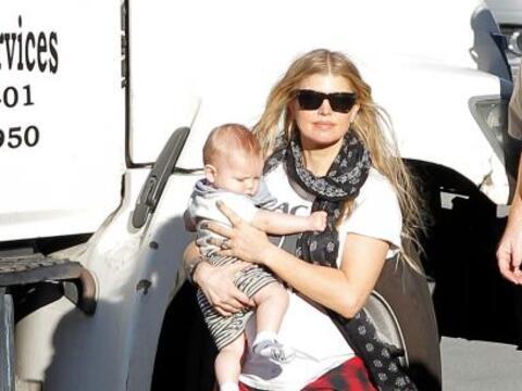 A sus 39 años, Fergie es una de las mamás más sexys...