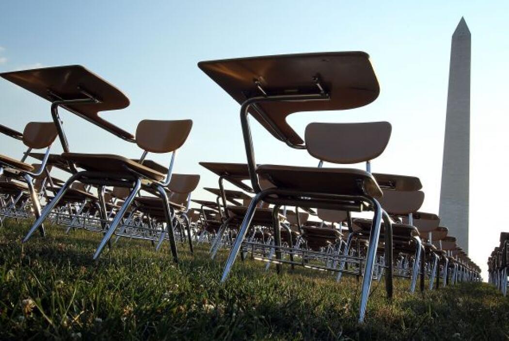 Las más recientes estadísticas indican que 1.2 millones de estudiantes a...