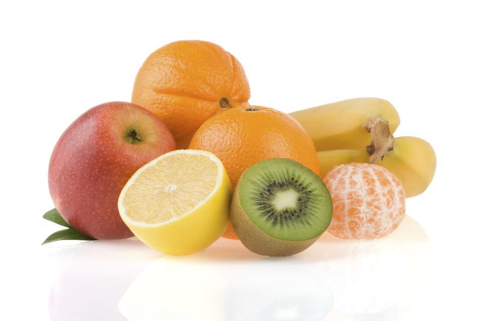 Usa frutas para decorar. Los cítricos tienen colores ideales para usar e...