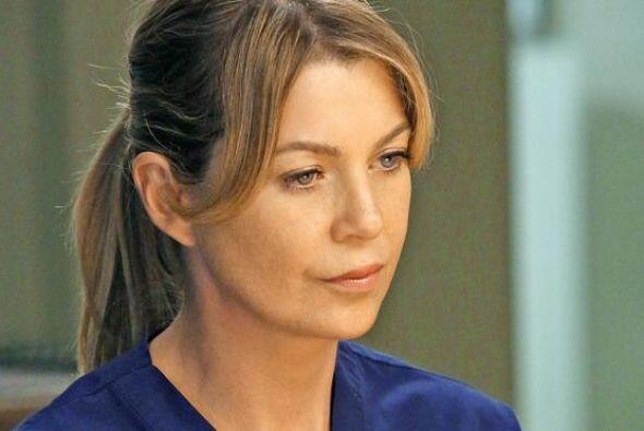 Más adelante, es desconectado en un hospital por su esposa, Meredith (El...