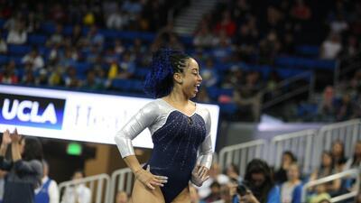 La atleta de la UCLA sorprendió al mundo con su rutina