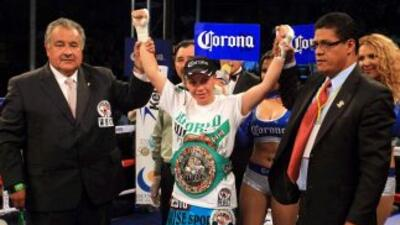 Zulina 'Loba' Muñoz hará una defensa más del título supermosca en 2014.