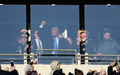 Donald Trump estuvo presente en el  M&T Bank Stadium.