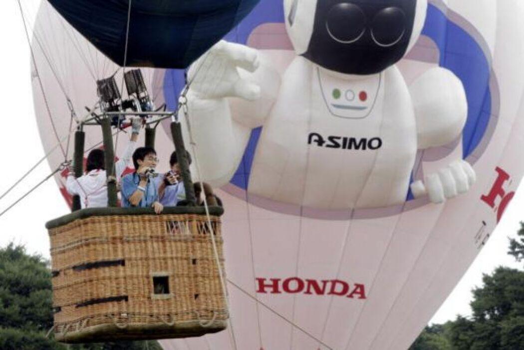 ASIMO es un gran icono de la innovación y la ingeniería japonesa.