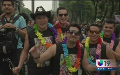 Desfile del orgullo gay en México