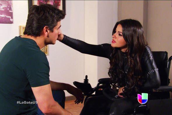 ¡Ayyy Pablo! Otro poquito y tu romance con Esmeralda se echa a per...