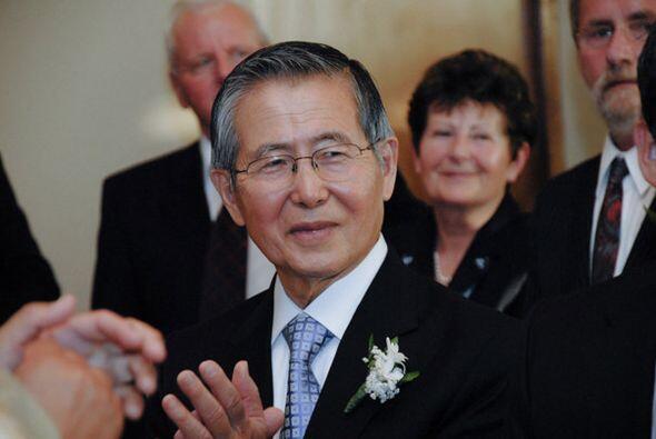 Actualmente Fujimori, descendiente de familia japonesa, se encuentra en...