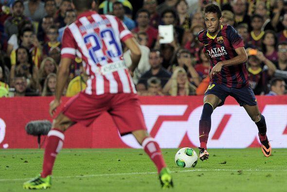 Neymar luchó cada pelota que pudo, pero se nota que aún le...