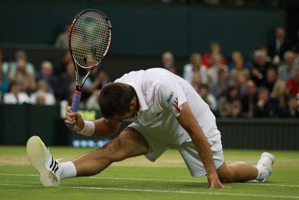 Con la contundencia propia de los campeones, Djokovic borró de la...