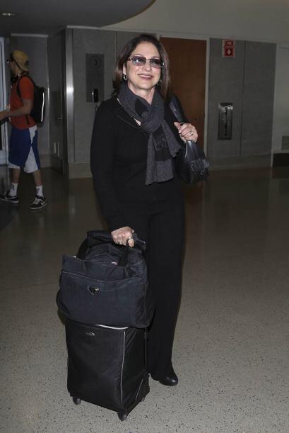 Gloria Estefan también aterrizó muy oscura en el Aeropuerto Internaciona...