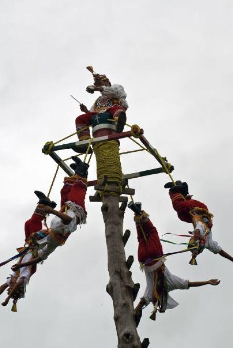 Los voladores de Papantla, la ceremonia de 'los hombre pájaro', es tradi...