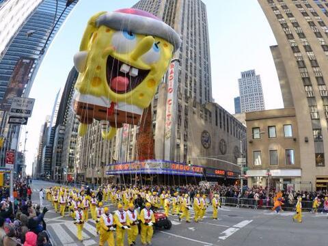 Celebran la tradicional parada de Thanksgiving