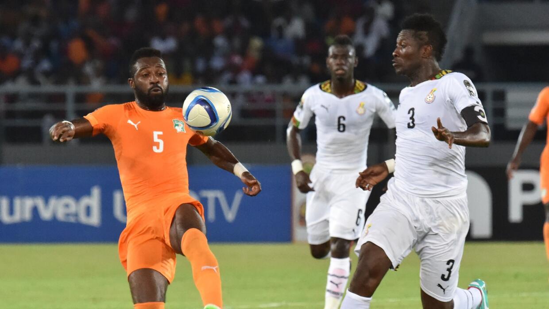 Siaka Tiéné jugando con Costa de Marfil