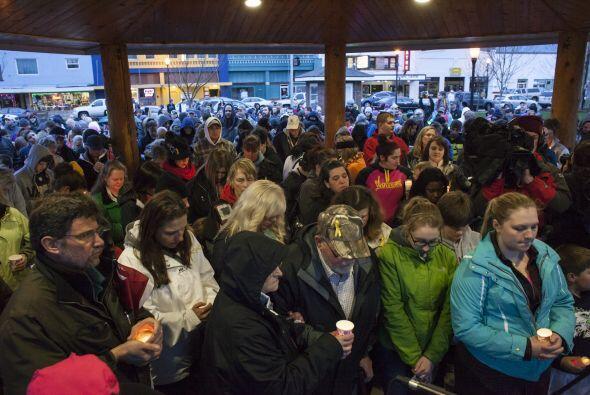 Cientos de residentes del condado de Snohomish se dieron cita en Arlingt...
