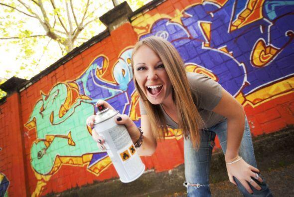 Graffiti time. Si tienes una pared antigua en la parte trasera de tu cas...