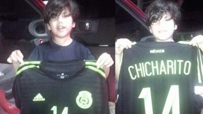 'Chicharito' hizo feliz a niño hondureño