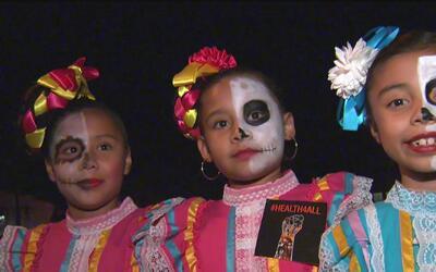 Comunidad de Oak Park, Sacramento celebró el día de los muertos
