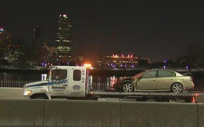 Un auto sobrecalentado se incendió en el FDR Drive en Manhattan