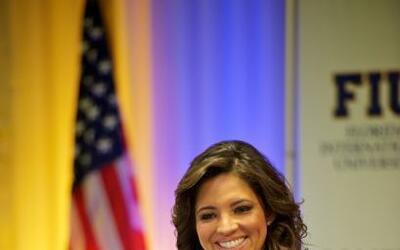 Pamela Silva Conde, nuestra presentadora de Primer Impacto, present&oacu...