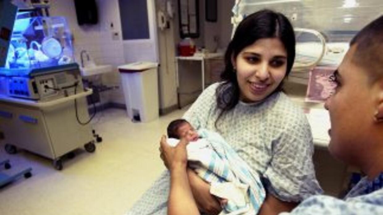 El estudio del Pew Center también arrojó que el número de bebés nacidos...