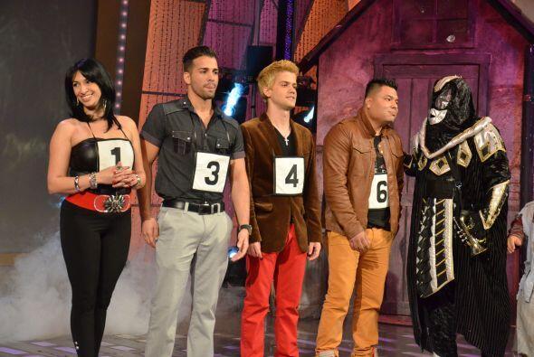 Los 4 finalistas están ansiosos por conocer los resultados.