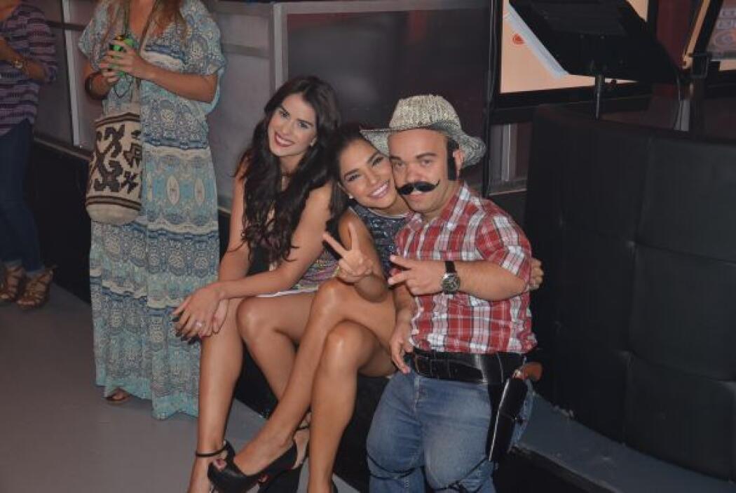 Una foto con un auténtico mini macho mexicano.