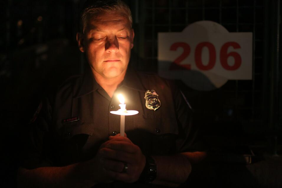 Las víctimas hispanas de tiroteo en California  vigilia8.jpg
