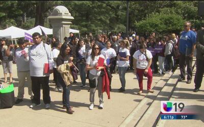 Cientos llegan al capitolio para celebrar el Día del Inmigrante