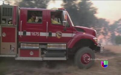 Miles de evacuados por peligrosos incendios en California