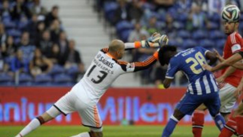 Oporto se despidió con triunfo en el clásico ante Benfica.